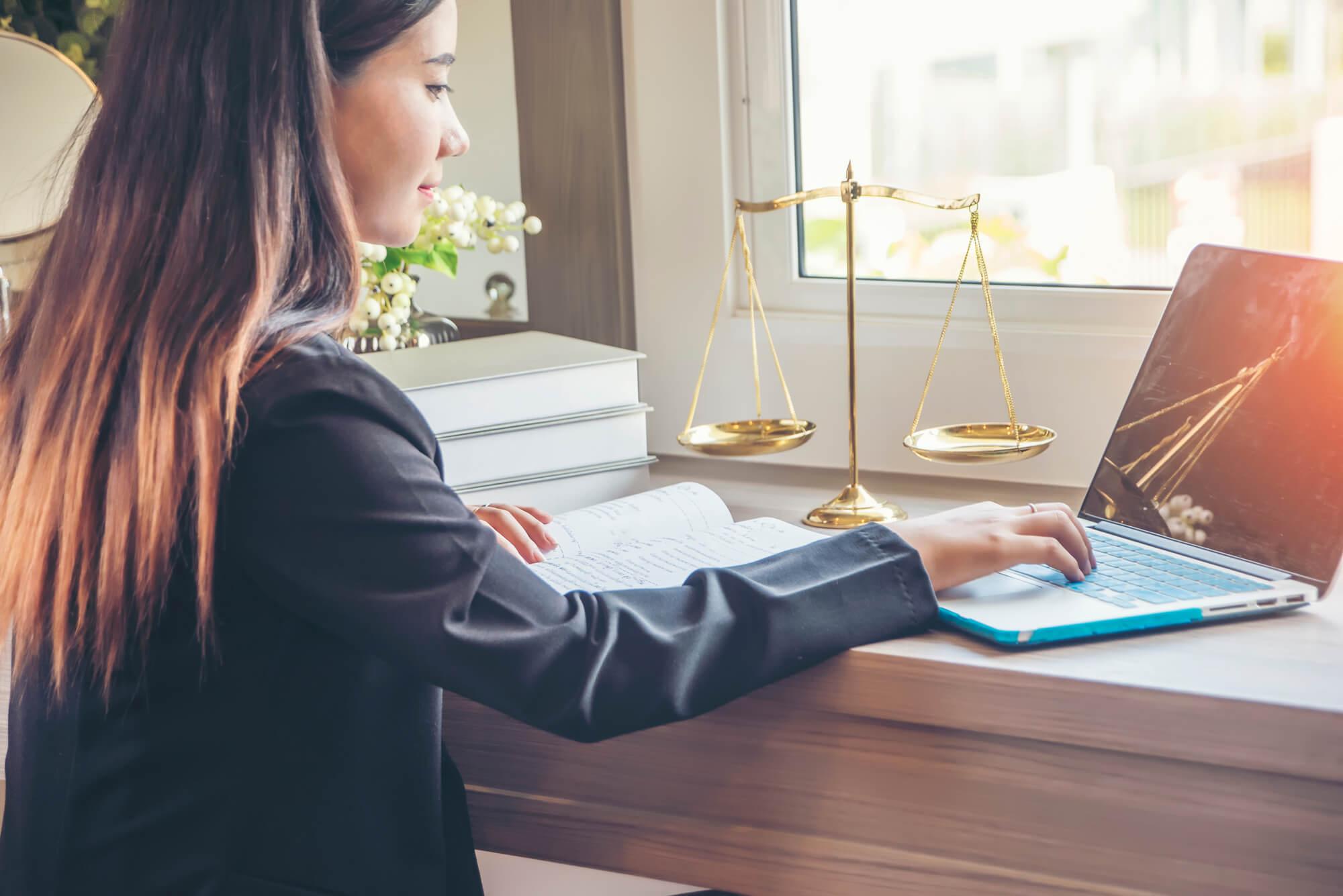 5 סיבות ללמוד בתכנית לתואר שני בלימודי משפט למי שאינו משפטן