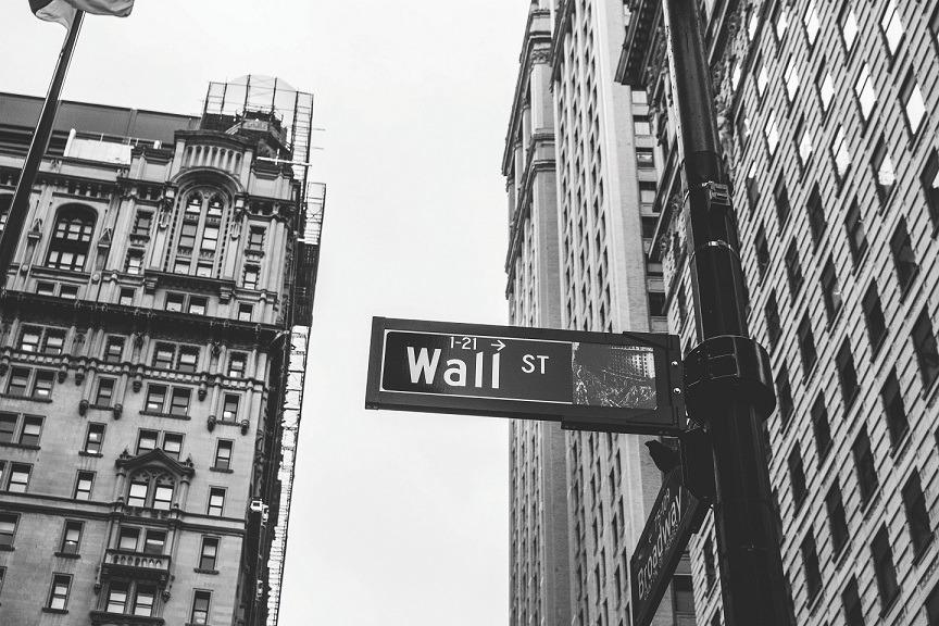 שוק ההון הופך להתמחות אקדמית נדרשת לקריירה בבנקאות